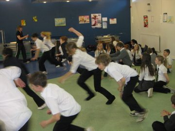 Content and Language Integrated Learning (CLIL) and PE: Fitness training in German